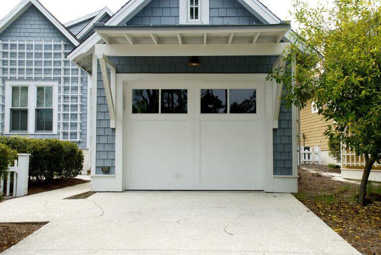 Brama garażowa domu w Rzeszowie